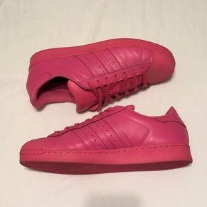Pharrell williams x le adidas superstar scarpe euc poshmark